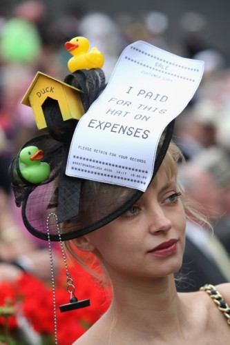 http://teacupsandcouture.com/wp-content/uploads/2011/07/Royal-Ascot-Hat-2-1-333x500.jpg